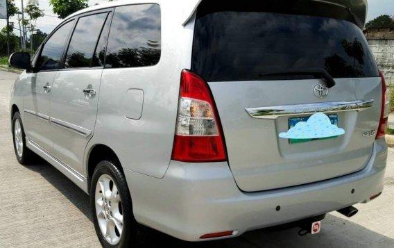 Toyota Innova 2012-1