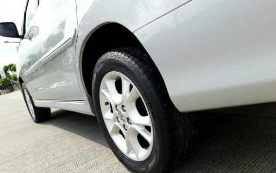 Toyota Innova 2012-3