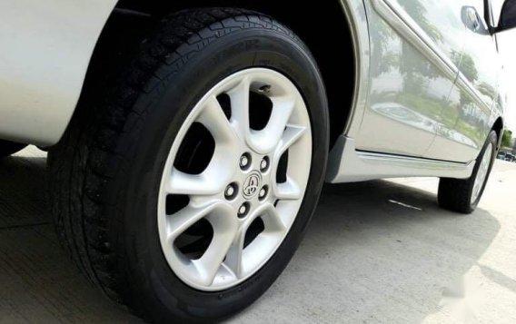 Toyota Innova 2012-4