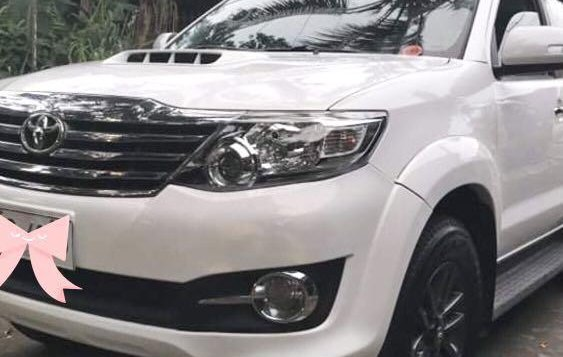 White Toyota Fortuner 2015 for sale in Caloocan-4