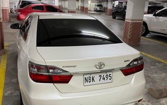Selling Pearlwhite Toyota Camry 2018 in San Juan-2