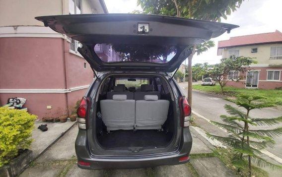 Selling Silver Toyota Avanza 2014 in Manila-3