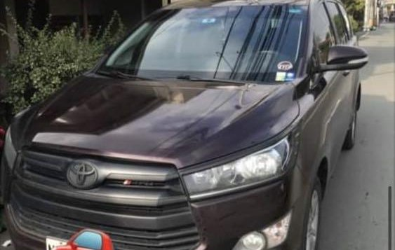 Selling Red Toyota Innova 2018 in Pagsanjan-1