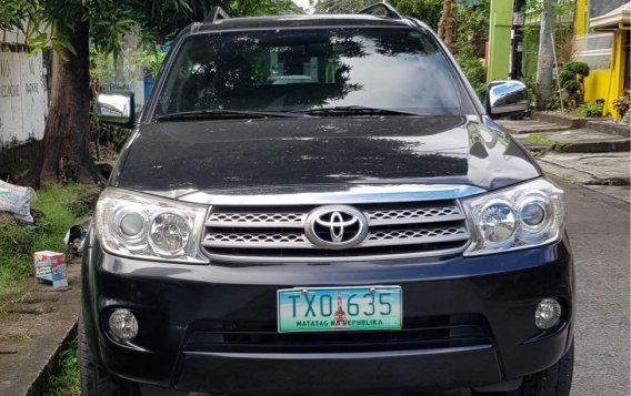 Black Toyota Fortuner 2011 for sale in Pasig-1