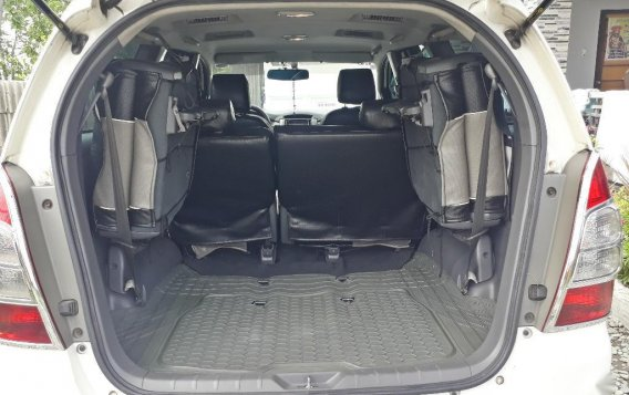 Selling White Toyota Innova 2014 in Gapan-5