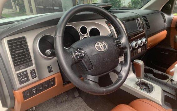 Toyota Sequoia 2010-4