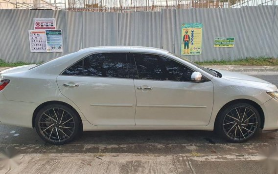 White Toyota Camry 2017 for sale in Manila-7