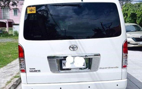 Selling White Toyota Hiace Super Grandia 2017 in Parañaque-2