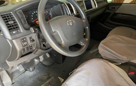 Toyota Hiace 2017-6