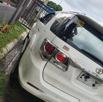 Pearl White Toyota Fortuner 2018 for sale in Calamba-3