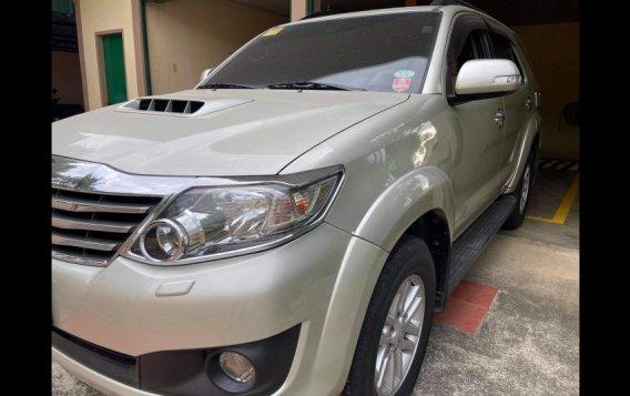 Silver Toyota Fortuner 2013 for sale in Urdaneta-2