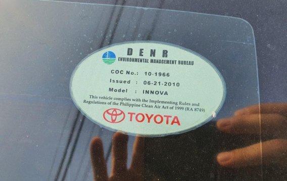 White Toyota Innova 2013 for sale in Angeles-2