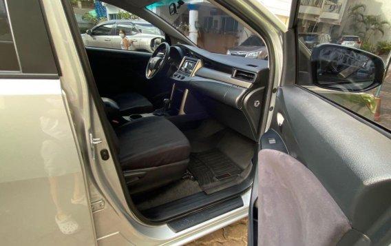 Selling Pearl White Toyota Innova 2019 in San Juan-7