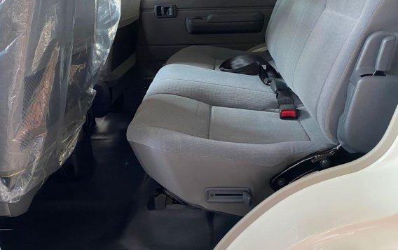 Toyota Land Cruiser 2021-8