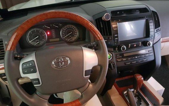 Toyota Land Cruiser 2013-8