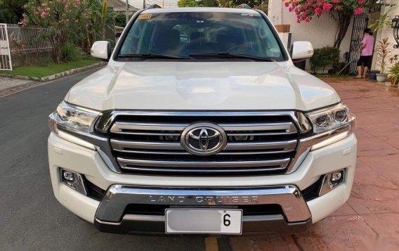 Sell White 2016 Toyota Land Cruiser-2