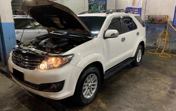 Selling White Toyota Fortuner 2014-5