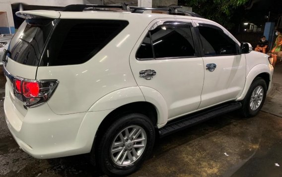 Selling White Toyota Fortuner 2014-4