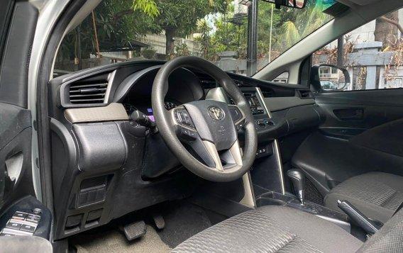 Silver Toyota Innova 2017-5