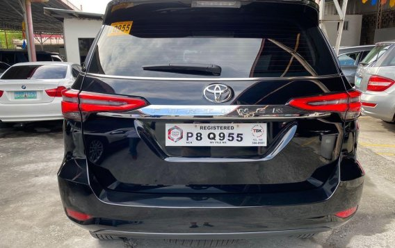 Selling Toyota Fortuner 2021-9