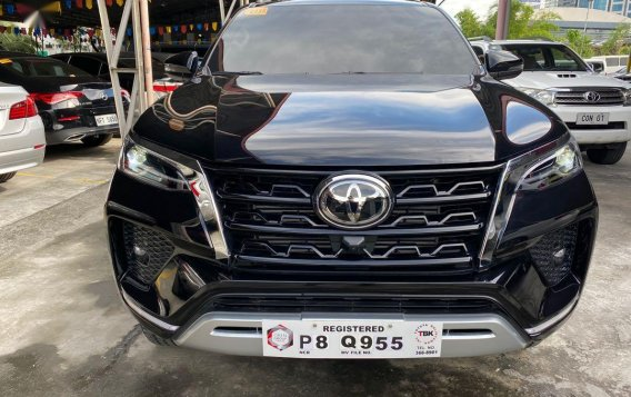 Selling Toyota Fortuner 2021-3