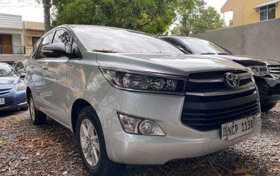 Silver Toyota Innova 2017-2