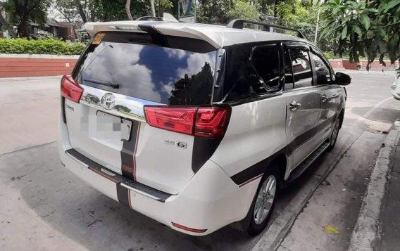 Selling Pearl White Toyota Innova 2016 -2