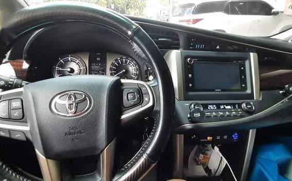 Selling Pearl White Toyota Innova 2016 -6