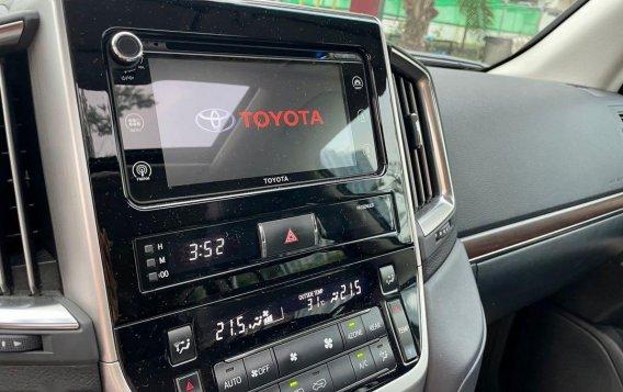 Sell 2018 Toyota Land Cruiser -9