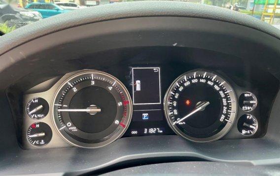 Sell 2018 Toyota Land Cruiser -8