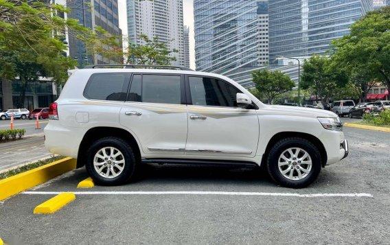 Sell 2018 Toyota Land Cruiser -3