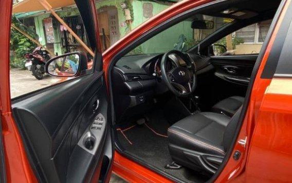 Selling Orange Toyota Yaris 2016-9