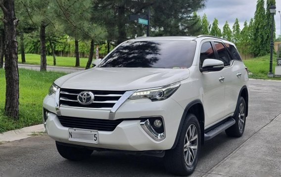Sell 2017 Toyota Fortuner-2