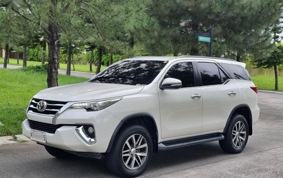 Sell 2017 Toyota Fortuner-3