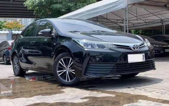 Selling Toyota Corolla Altis 2017