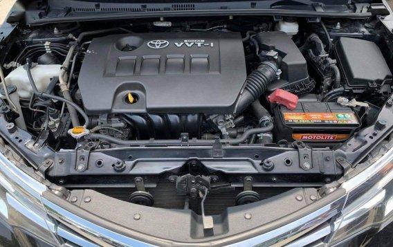 Selling Toyota Corolla Altis 2017-6