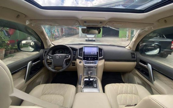 Toyota Land Cruiser 2018 for sale in Quezon City-6