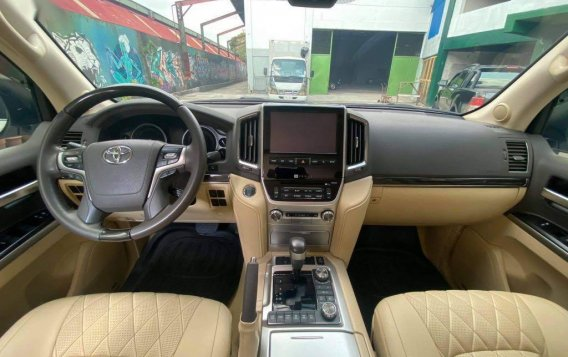 Toyota Land Cruiser 2018 for sale in Quezon City-8