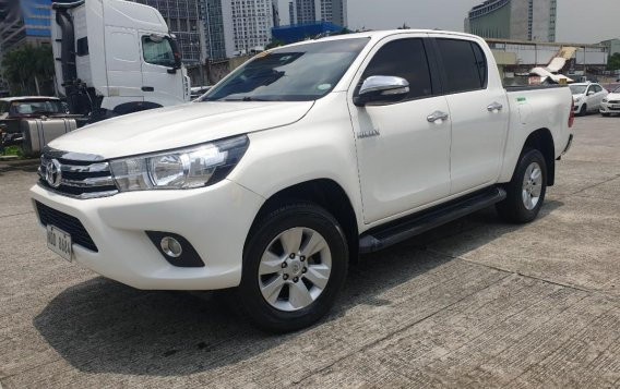 Selling White Toyota Hilux 2017 in Pasig-3