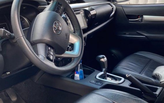 Brightsilver Toyota Hilux 2019 for sale in San Fernando-8