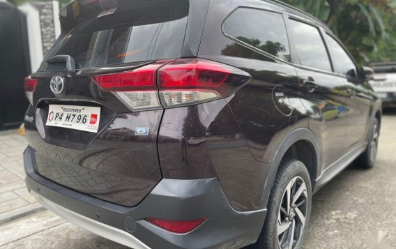 Selling Red Toyota Rush 2020 in Quezon-2