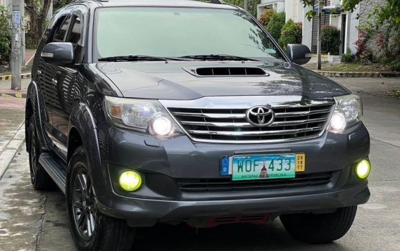 Selling Grey Toyota Fortuner 2014 in San Mateo-1