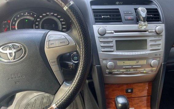 Pearl White Toyota Camry 2008 for sale in Quezon-3