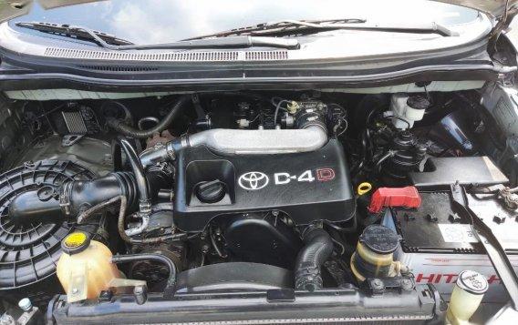 Selling Brightsilver Toyota Innova 2006 in Cavite-3