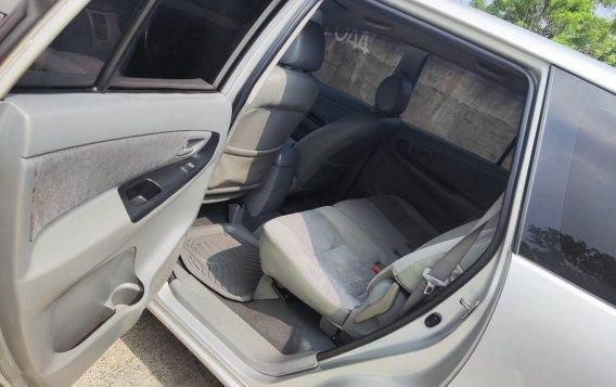 Selling Brightsilver Toyota Innova 2006 in Cavite-5
