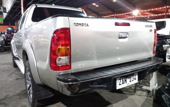 Selling Brightsilver Toyota Hilux 2009 in San Mateo-1
