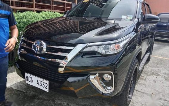 Selling Black Toyota Fortuner 2019 in San Mateo