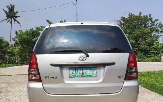 Selling Brightsilver Toyota Innova 2006 in Cavite-8