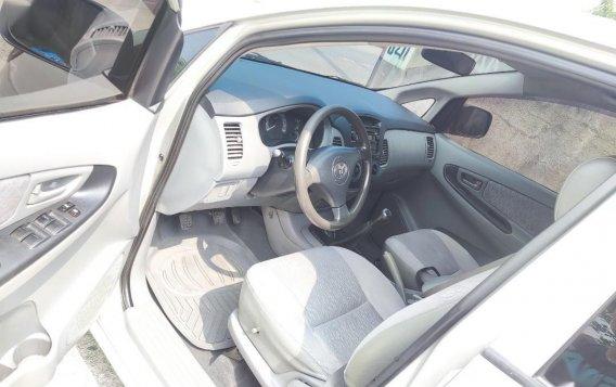 Selling Brightsilver Toyota Innova 2006 in Cavite-6