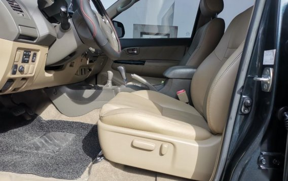 Selling Grayblack Toyota Fortuner 2013 in Parañaque-4
